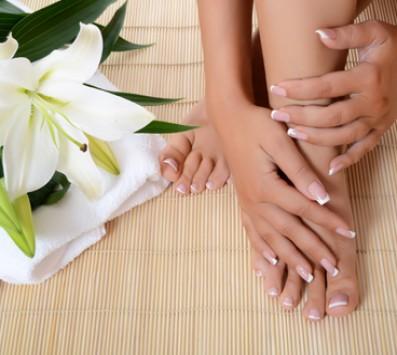 Spa Manicure + Pedicure εικόνα