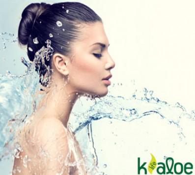 2 Θεραπείες Βιολογικής Aloe Vera «Aloe Blooming» Κολωνάκι - 15€ από 90€ (Έκπτωση 83%) για 2 Αγνές, Οργανικές Θεραπείες βαθιάς Ενυδάτωσης, αποτοξίνωσης και ανανέωσης των ιστών, της Aloe Blooming με 100% αγνή, βιολογική, ελληνική aloe vera! Εάν αισθάνεστε το δέρμα σας τραχύ, στεγνό, αφυδατωμένο, εάν νιώθετε να τραβάει, εάν εμφανίζει λεπτές γραμμές και έχει ανομοιόμορφο χρωματικό τόνο με την Aloe Blooming το δέρμα σας θα γίνει ξανά φωτεινό, ελαστικό και λείο! Στoν ολοκαίνουργιο χώρο της «Kaloe Life» στο Κολωνάκι πλησίον στάσης μετρό 'Σύνταγμα'!!!