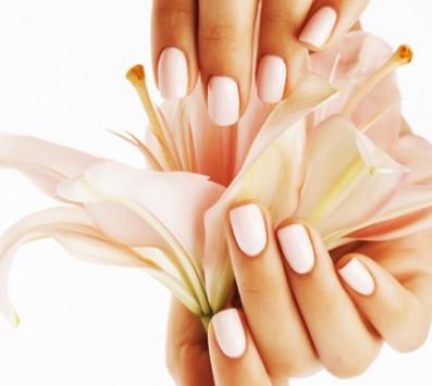 Ημιμόνιμο Manicure - Πετράλωνα - 7€ από 15€ (Έκπτωση 53%) για ένα Ημιμόνιμο Mani nails