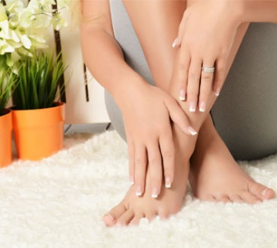 1 Ολοκληρωμένο Manicure και ένα Ολοκληρωμένο Pedicure επιλογής από απλό ή γαλλικό. εικόνα