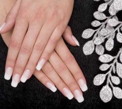 Manicure | Κορωπί - 8€ από 20€ (Έκπτωση 60%) για ένα Manicure με Ημιμόνιμη βαφή επιλογής από απλό ή γαλλικό, από το Magic Place στο Κορωπί!!! εικόνα