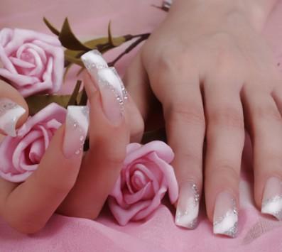 Τεχνητά Νύχια+Αφαίρεση Γλυφάδα - 24€ από 60€ (Έκπτωση 60%) στην Άνω Γλυφάδα για  nails